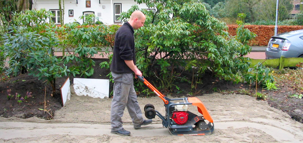 Uw tuin laten aanleggen dat kan het hele jaar door for Tuin aan laten leggen